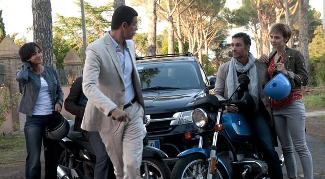 RESIDENZA AURELIA – Set del Film VIVA L'ITALI-Aambra-Angiolini- Raoul-Bova-e-Alessandro-Gassman-