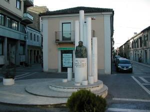 Pescara via delle caserme Monumento a ENNIO FLAIANO