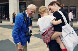 Bill Cunningham, il «padre» della street photography.