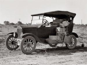 dorothea-lange-depression-old-buggy-mobile+home-1936