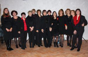"""il Coro """"DONNE TRA LE NOTE"""" di Cerveteri, direttrice Anna De Santis"""