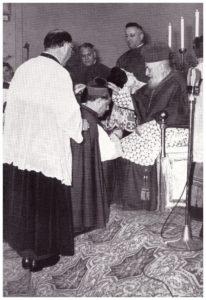 S.E. Cardinale EUGENIO TISSERANT impone la berretta a Monsignor Tito MANCINI .(25 dicembre 1960)