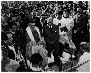 Monsignor Tito MANCINI accompagna  S.E. Cardinale EUGENIO TISSERANT nella visita dei Borghi dell'ENTE MAREMMA