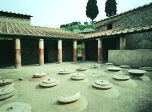 Dolia interrati. Posti nella Villa Rustica in Loc.Villa Regina, I sec. d.C. Boscoreale, Napoli.