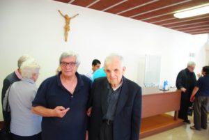 Monsignor Diego Natale Bona con il giornalista Franco Leggeri