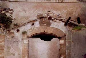 Castel di Guido-Il Degrado del Sito Archeologico Casale della Bottaccia- INGRESSO PRINCIPALE