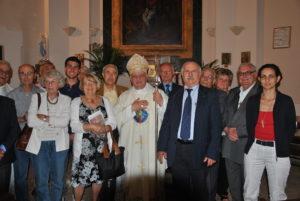 Castel di Guido 19 giugno 2011 -S.E. Monsignor GINO REALI e Don Francesco Arceri con i Parrocchiani