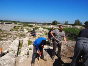 Castel di Guido- - 22 aprile 2017-GAR- Sessione di scavo Villa Romana delle Colonnacce -