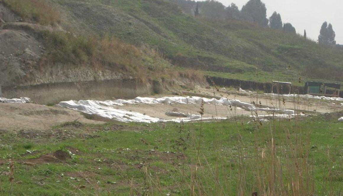 Malagrotta- anno 2008-Scavi Archeologici a ridosso della discarica più grande d'Europa.