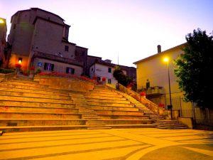 Castelnuovo di Farfa (Rieti) La Piazza comunale