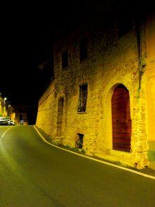Castelnuovo di Farfa (Rieti) - Via Roma Est
