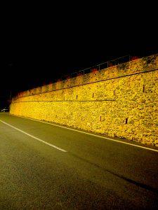 Castelnuovo di Farfa (Rieti) - Via Roma Ovest-Mura Medievali