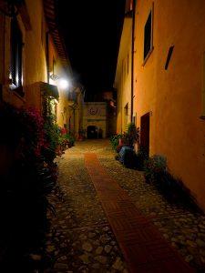 Castelnuovo di Farfa (Rieti) - Via Perelli