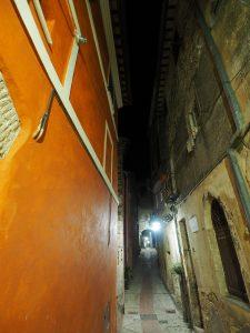 Castelnuovo di Farfa (Rieti) - Via Arco Cherubini