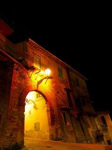 Castelnuovo di Farfa (Rieti) - Porta Fonte Cisterna